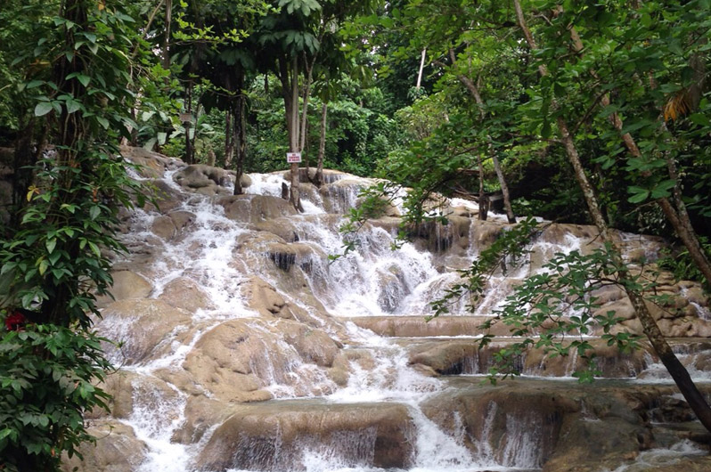 898x530-jamaica-waterfall