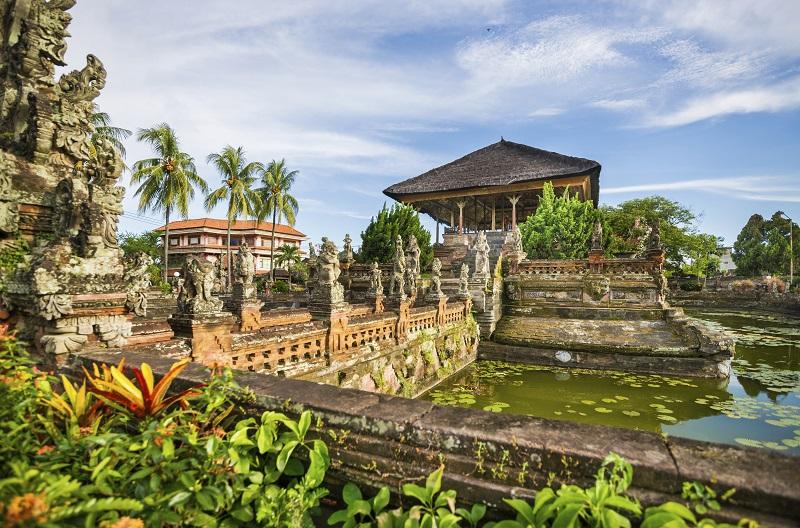 Bale Kambang Floating Pavilion in Klungkung, Semarapura, Bali, Indonesia
